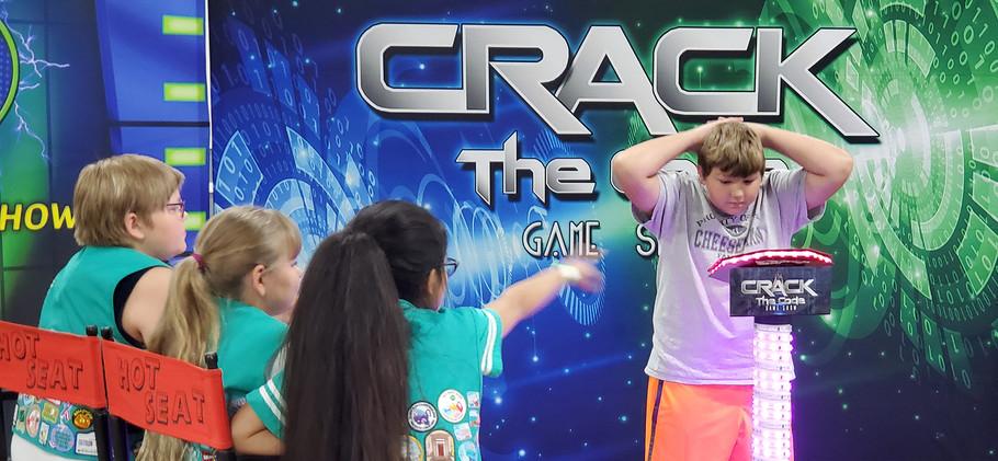 Crack hands head 2.jpg