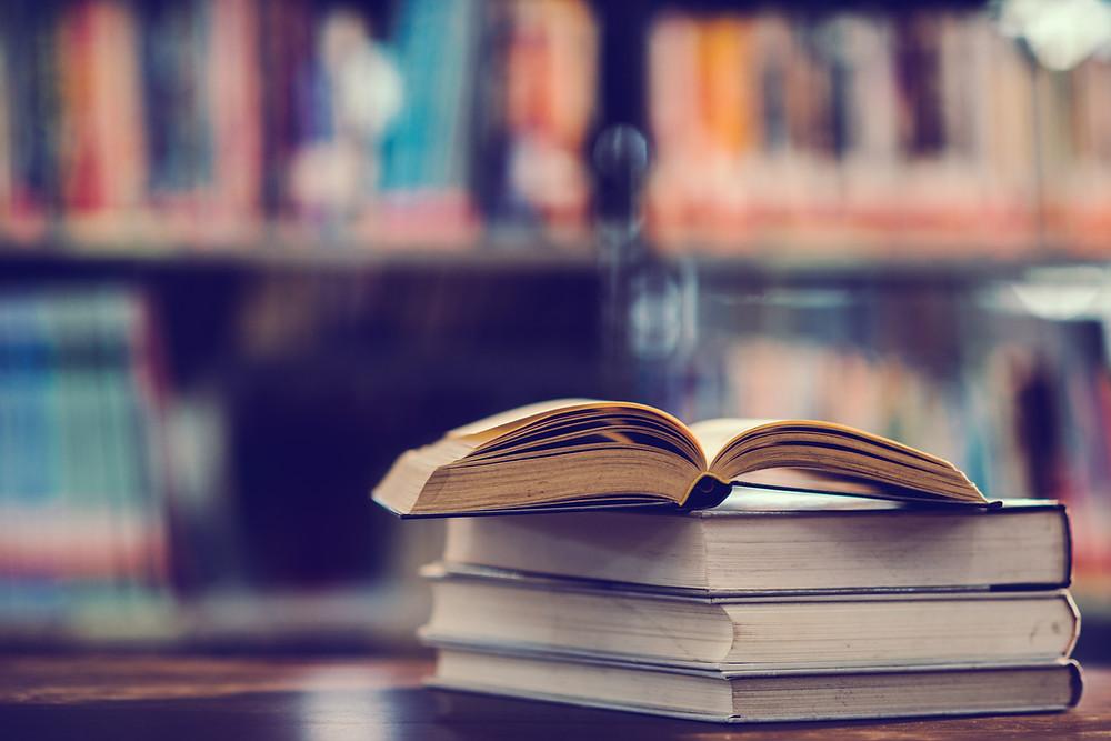 Glossário para óticas contém os termos utilizados no mercado ótico que você precisa saber para elevar o seu conhecimento técnico e profissional!