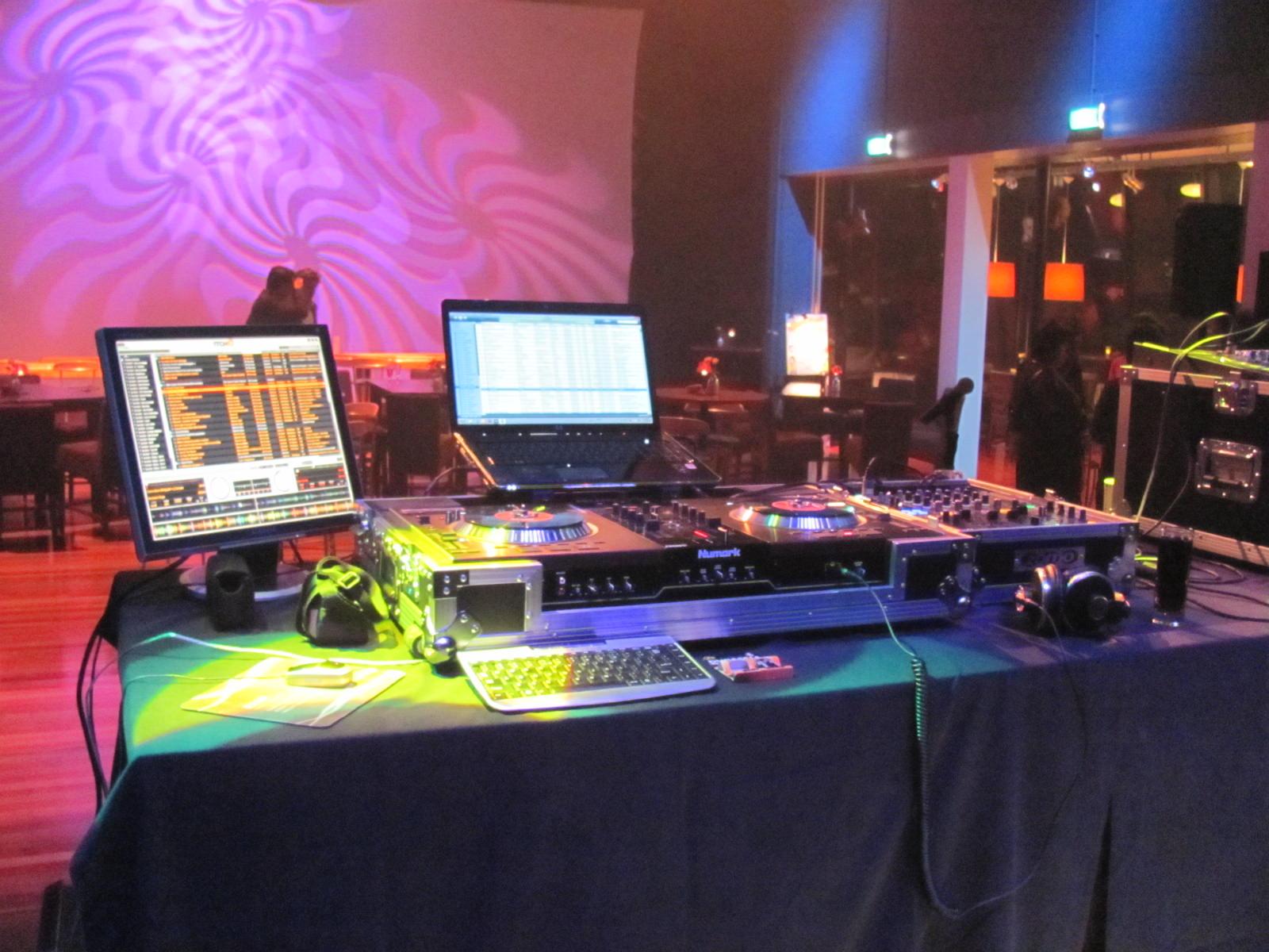 DJ XLR - Theater Hellevoetsluis Stage 01.jpg