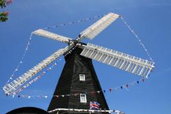 Jubilee Bunting on Herne Mill 30-5-12 005L.jpg