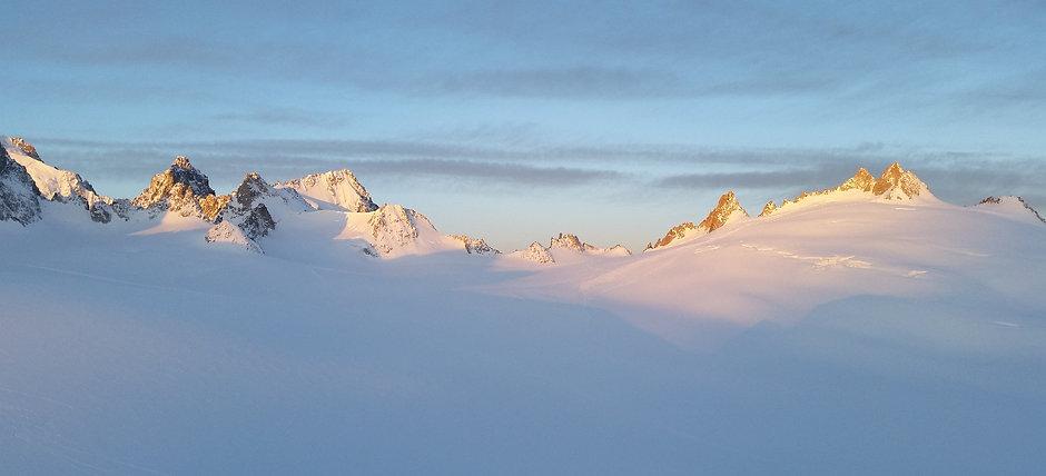 Udsigt til Trient gletsheren på ski turen Haute Route - Chmonix til Zermatt