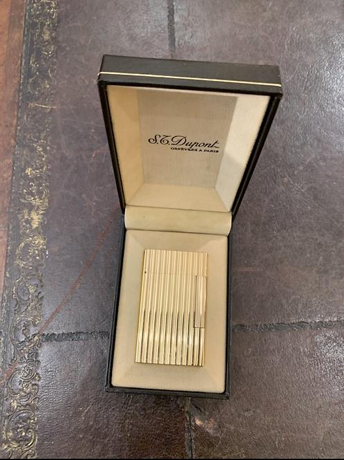 Briquet Dupont avec sa boîte et son certificat
