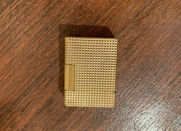 Briquet Dupont petit format en métal doré