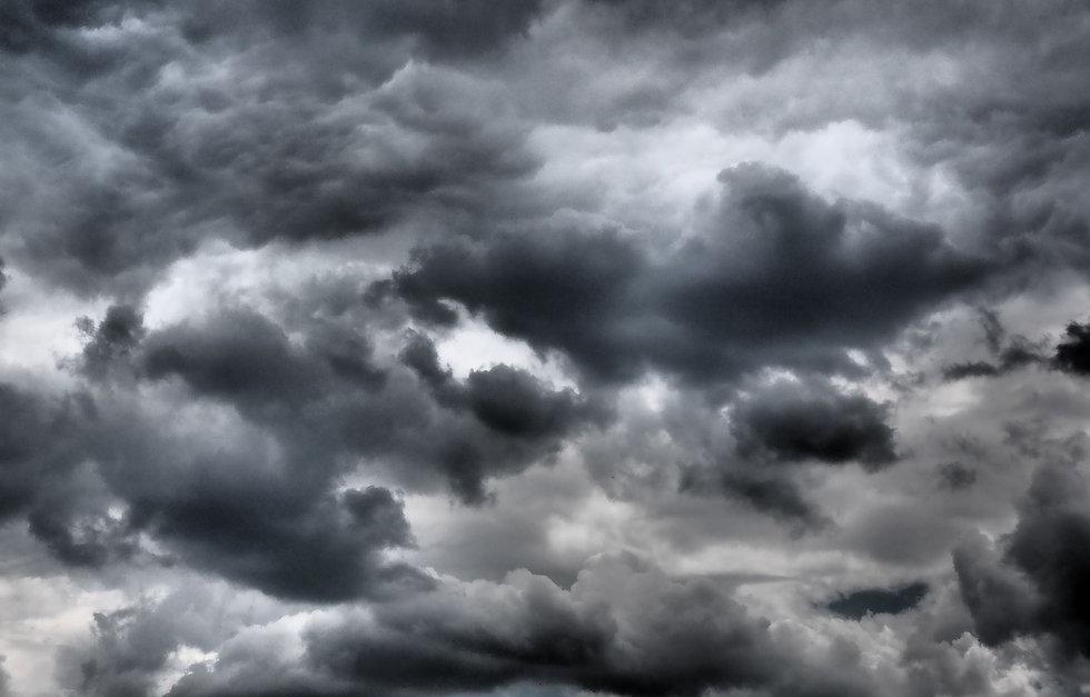 Dunkle-Wolken-sky-QF-P1920-Quelle-Source-Pixabay-Foto-Hans-Braxmeier-Download-Berlin-2020-