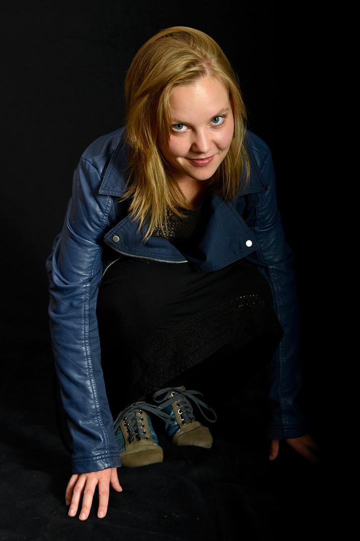 Fotoshooting Doro Blaue Lederjacke