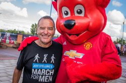 Jeff Stelling with Manchester United