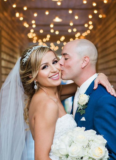 Beatiful Arizona Bride with wedding planning