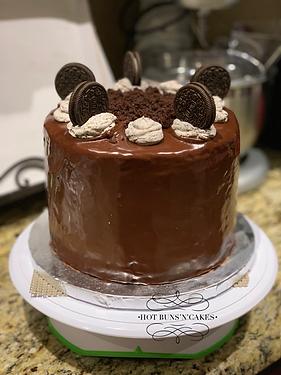 "Oreo Cake 8"" Ganache"