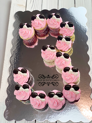 MINNIE MOUSE CUPCAKES 3 OREO EARS
