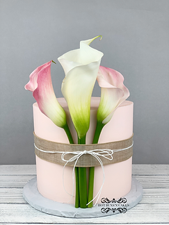 Calla Lilly cake fresh flowers light pink cake burlap ribbon