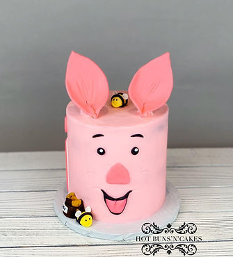 Piglet Cake Smash Cake Bumble bees honey pot