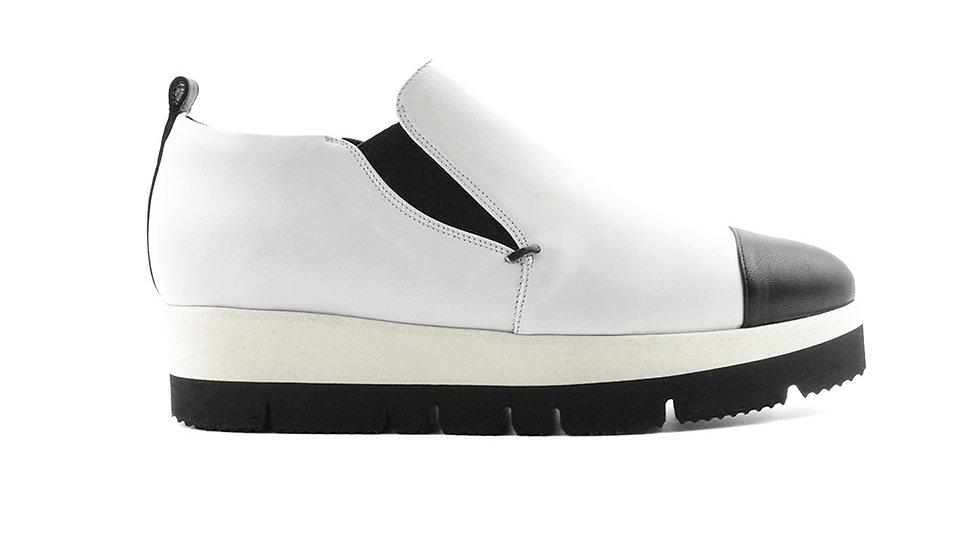 Mino Sneaker Black on White