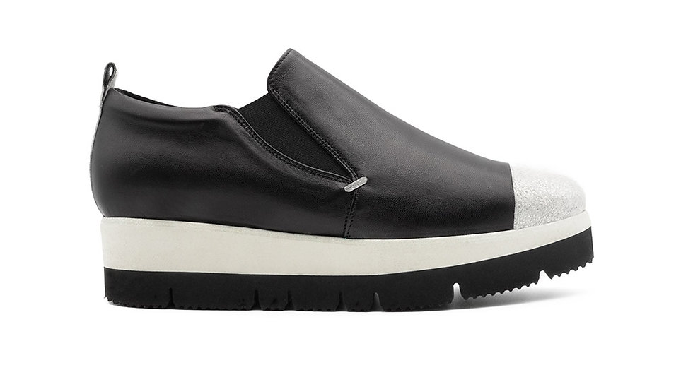 Mino Sneaker White on Black