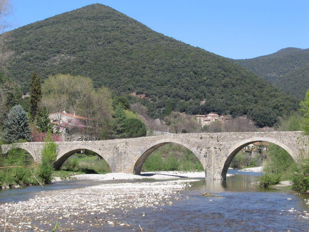 Aux alentours : le Pont des Camisards