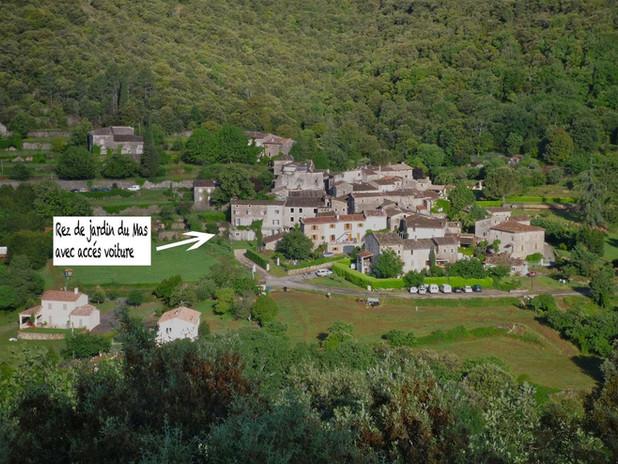 Vue aérienne de Paussan avec situation du gîte
