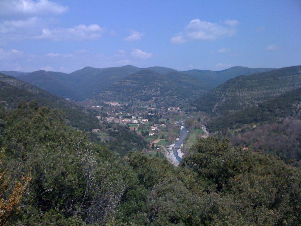 Aux alentours : vue sur les hauteurs de Paussan
