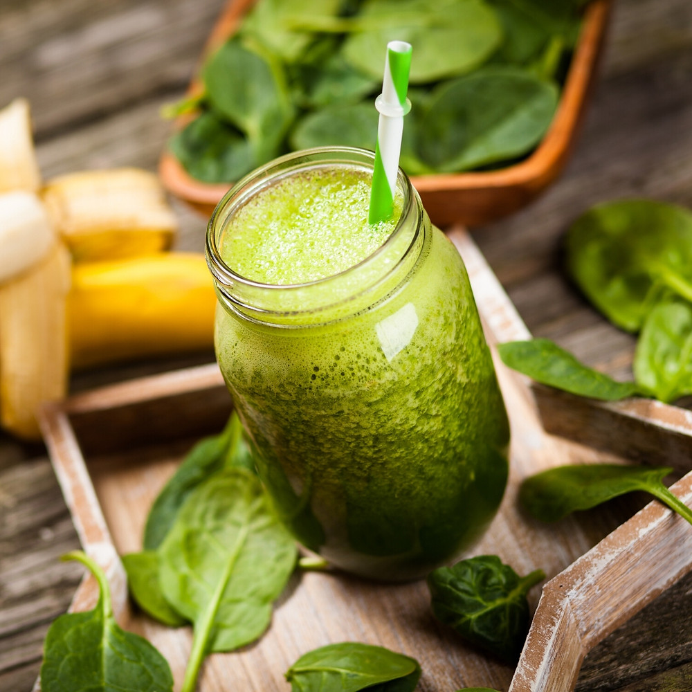 Tropical green smoothie using essential oil recipe
