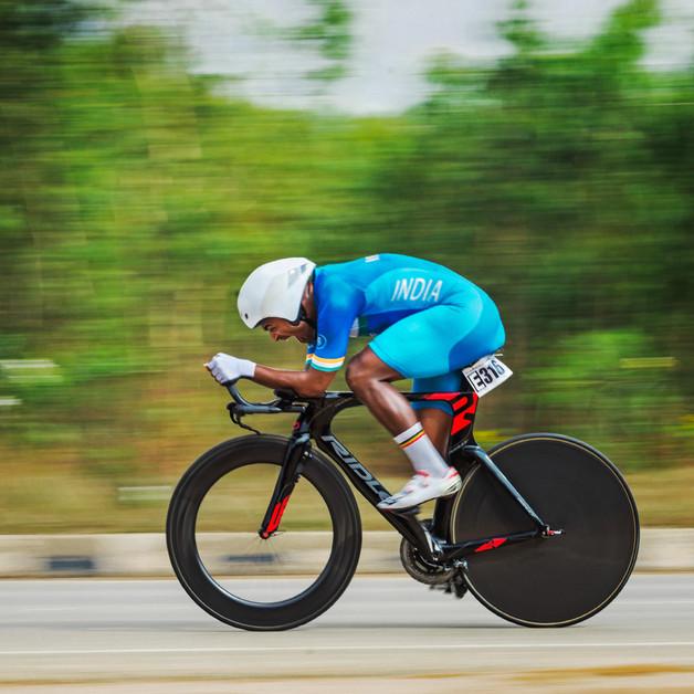 National Champion Naveen John on his way to winning the Individual Time Trial, Bengaluru.