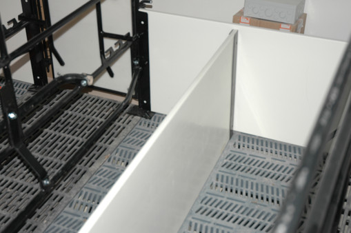 SURE-STEP Farrowing Crate