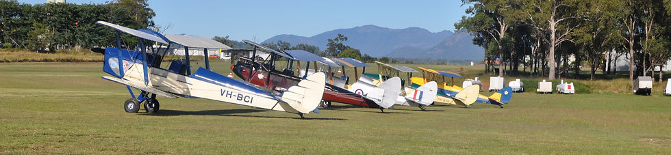 Boonah Airfield Tiger Moth vintage bipla
