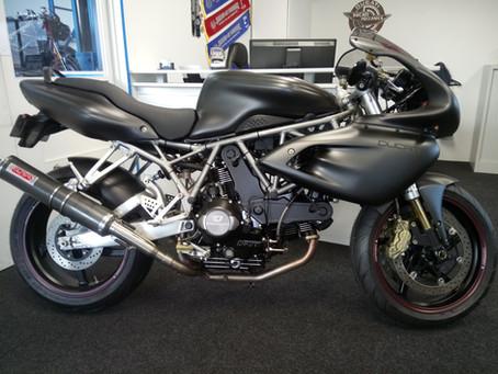 Custom Ducati Desmodue 1000