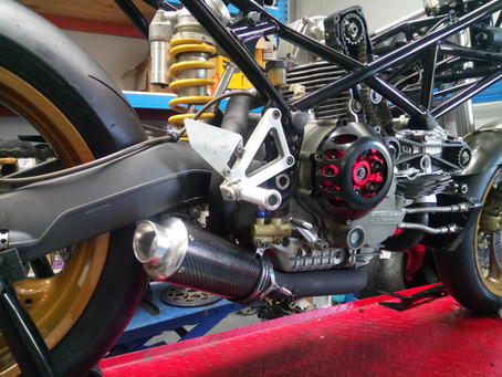Muzano M900R race bike taking shape