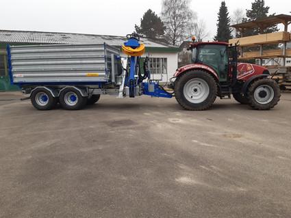 Traktor und Kran.jpg