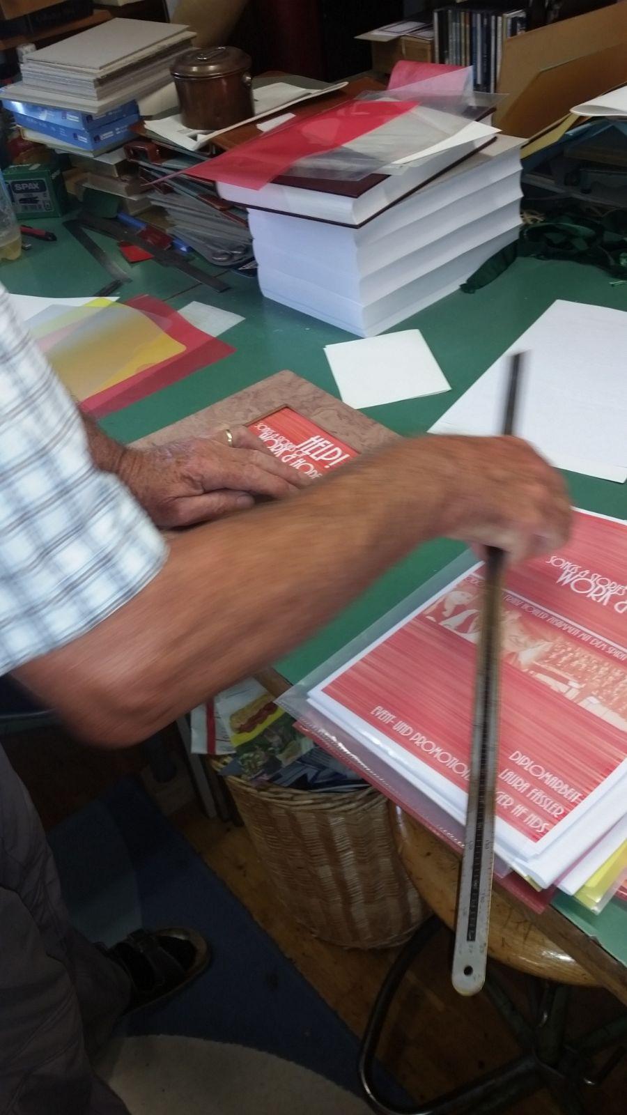 Handbuchbinder Martin Holdener macht Buchträume wahr