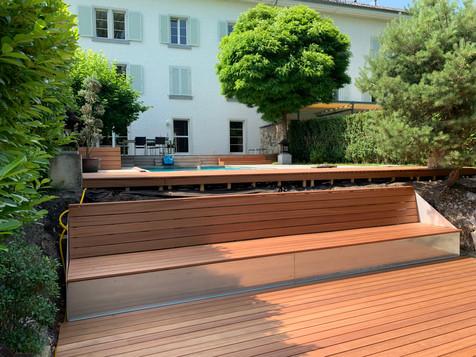 Holzbau Ott Terassenboden mit Sitzfläche