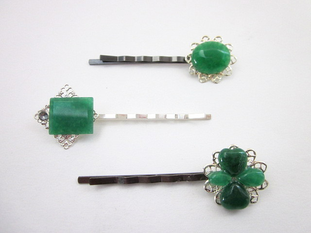 2-green gem hair pins