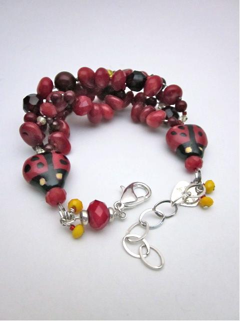 Coral & garnet bracelet