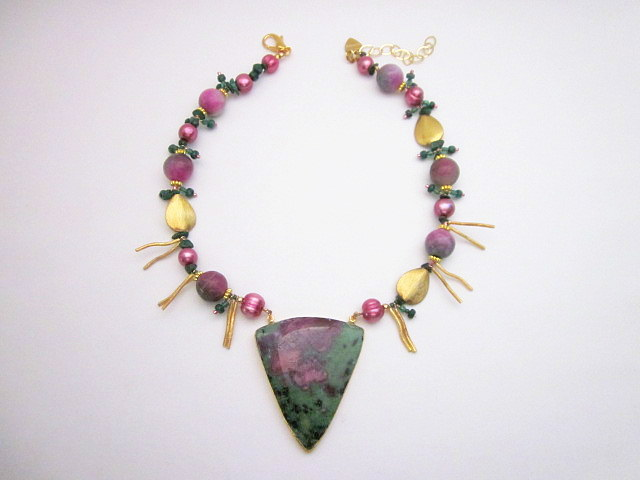 Ruby-in-fuchsite necklace