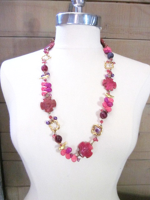 Pink Agate & gold necklace