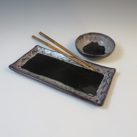 Sushi Set in Black w/Flowing Rim
