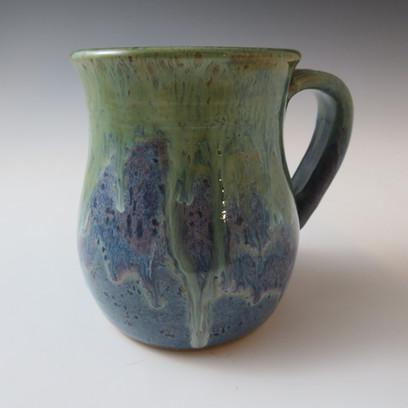 Mug in Rusti Blue w/Flowing Seaweed and