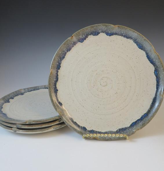 "10"" Plate Set in Vanilla Spice w/Blue Rim"