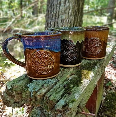 16 oz Mugs w/Medallions
