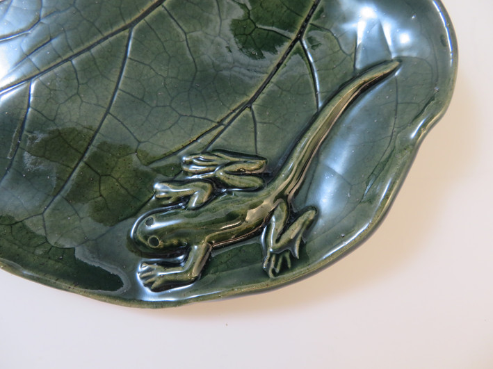 Leaf Tray with Lizard