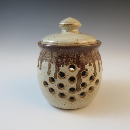 GarlicPot in Vanilla Spice w/Flowing Bro