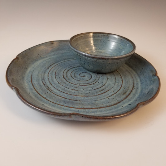 Serving Plate w/Condiment Dish in Rustic Blue