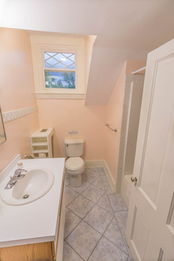 Full Bathroom, 3rd Floor