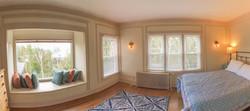 Queen Bedroom, 2nd Floor