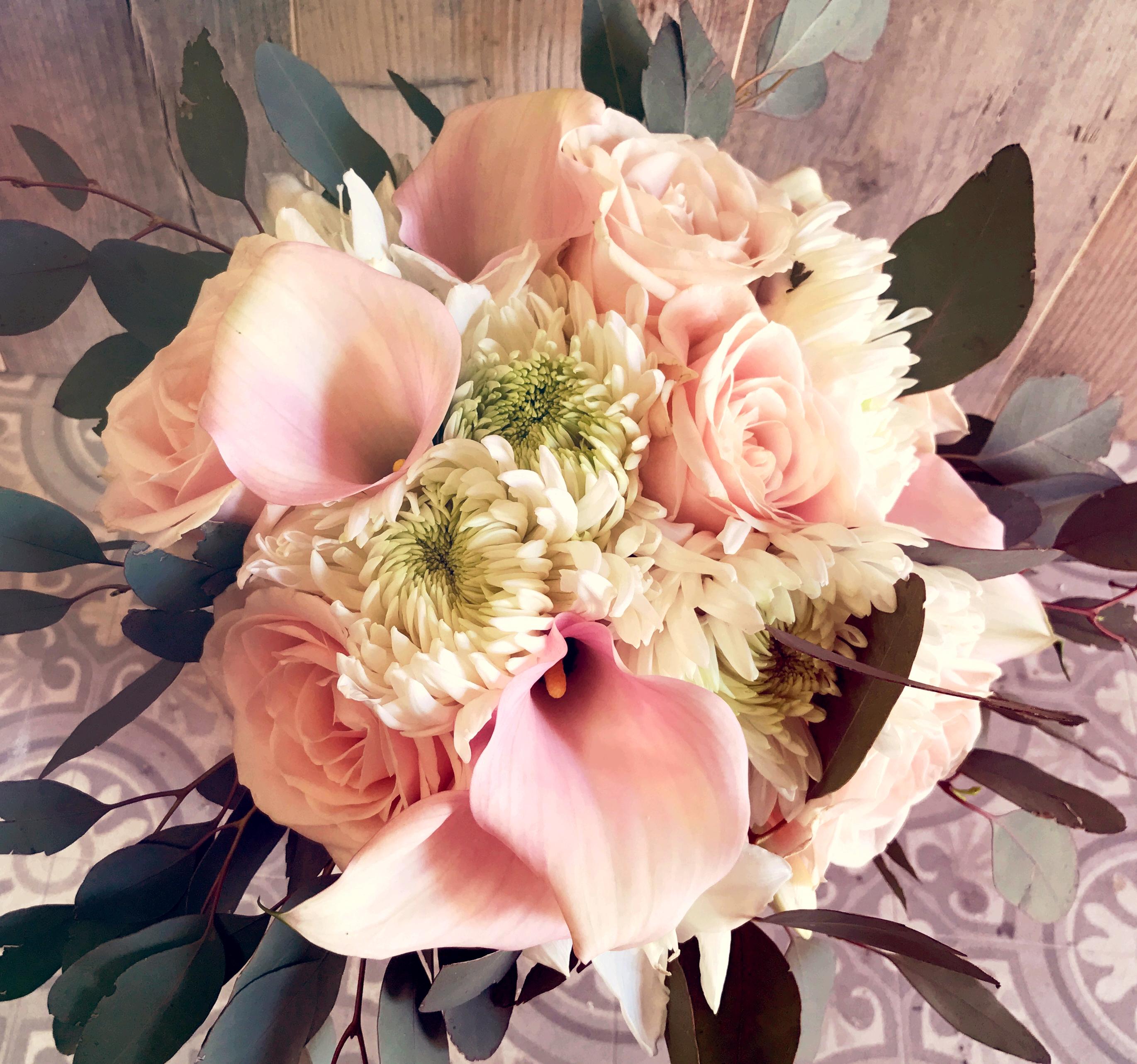 ramo novia calas y rosas