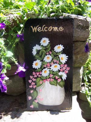 Stone Vase Daisies 18x9 $75.00