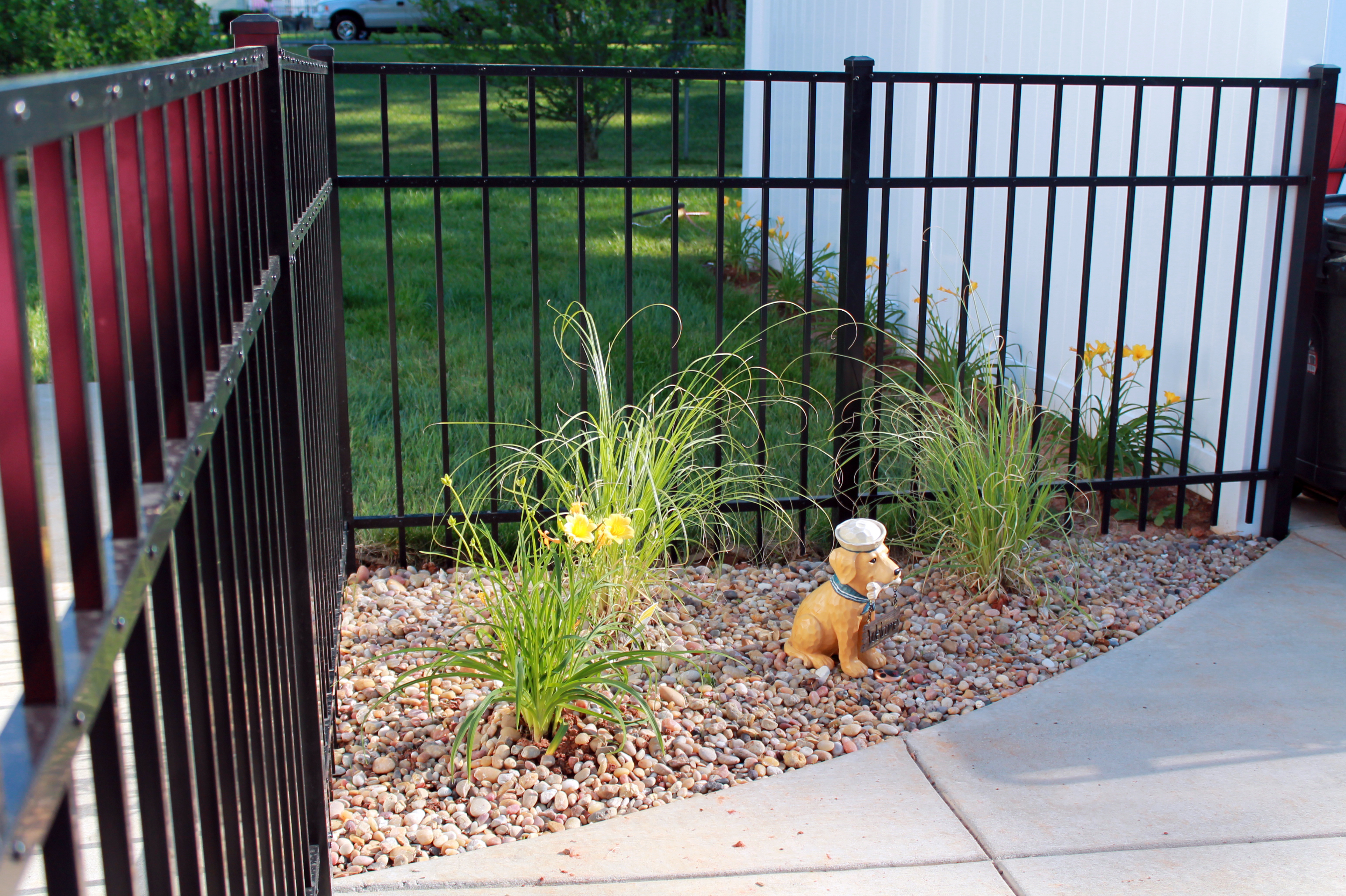 Aluminum Fence with Landscape