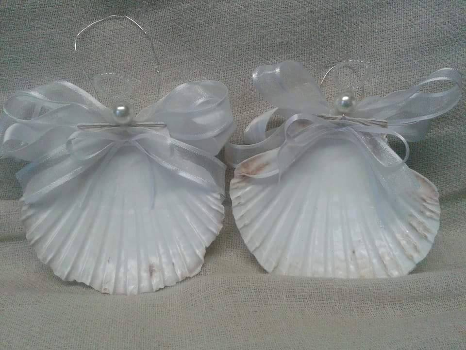 Shells with Bows