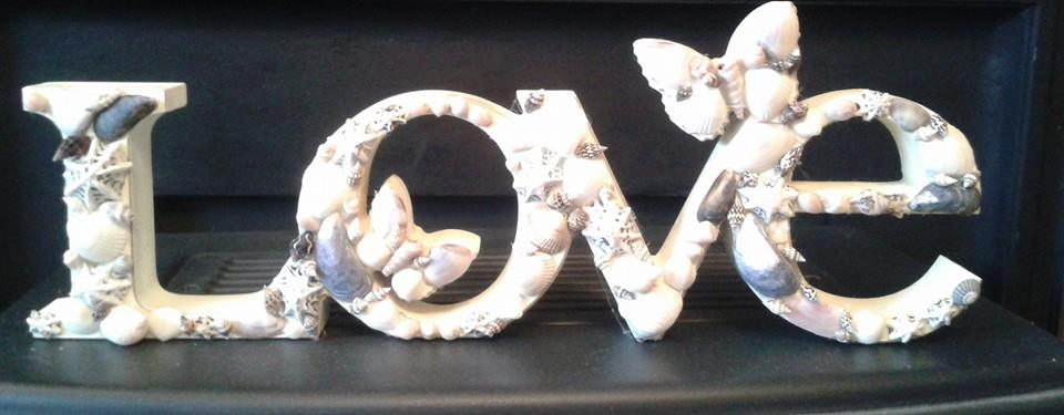 Love Shell Sign