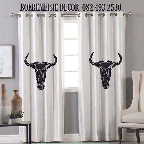 WILDEBEES  CURTAIN TAPED