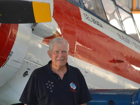 Vadico entrevista o Coronel Carlos Gonzaga, em seu programa na rádio online, no site Escuta Aérea.