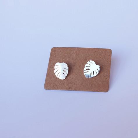 monstera mini earrings